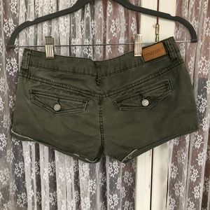 Shorty army green shorts